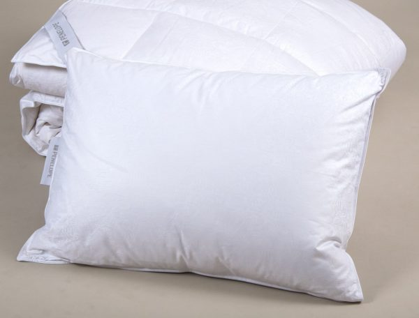 Подушка Penelope Diamond пуховая 50×70