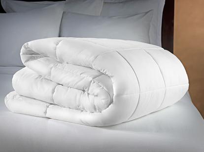 Двуспальное одеяло на кровать купить, недорого