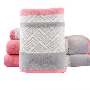 Махровое полотенце NAZENDE розовое