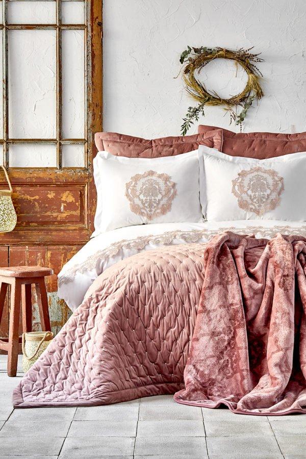 купить Постельное белье с покрывалом + плед Karaca Home Chester pudra 2020-1 Розовый фото