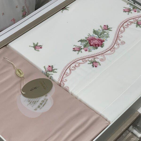 купить Постельное белье cатин делюкс с вышивкой Dantela Vita BELLA Бежевый фото